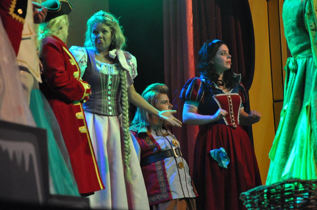 Vaste bezoekers van de sprookjesmusicals van Van Hoorne zien veel oude bekenden terug.