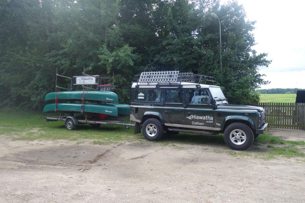 De Range Rover van Hiawatha Actief staat al klaar als we aankomen.