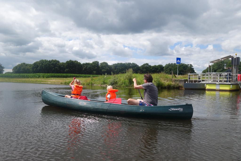 Ook met 2 kinderen in een kano gaat het prima.