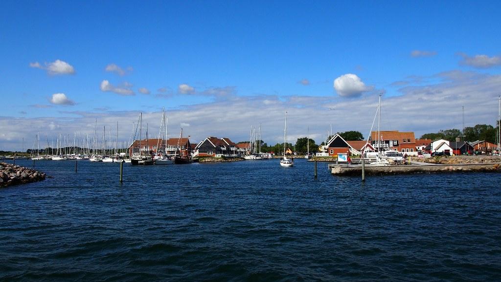 Zodra we de haven uit waren ging ons bootje al flink heen en weer op de golven.
