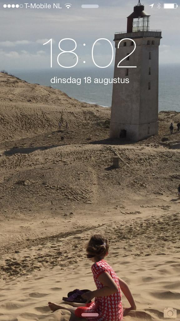 Elke keer als ik mijn telefoon gebruik denk ik aan onze vakantie in Denemarken.