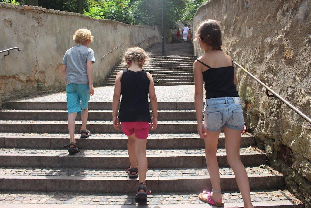 Stadjes bekijken vinden de kinderen net zo leuk als wij.