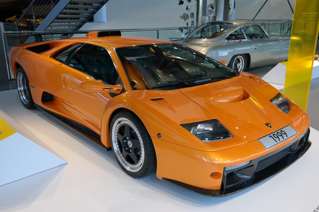 De favoriet van onze jongens in het museum: de Lamborghini.