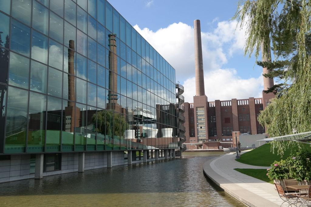 Prachtige architectuur op het terrein van Autostadt.