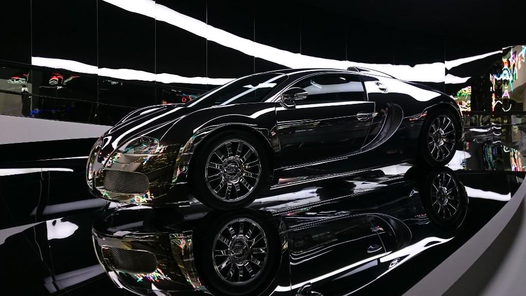 De glimmende Bugatti.