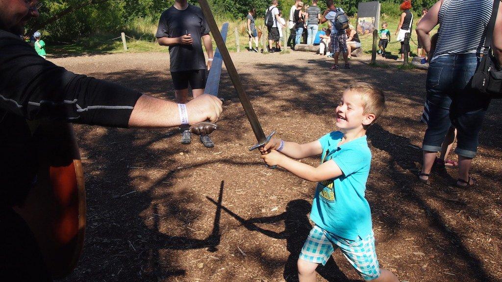 Zwaardvechten met een Viking.