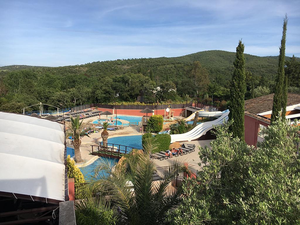 Een heerlijk zwempark voor jong en oud op camping Domaine de la Bergerie.