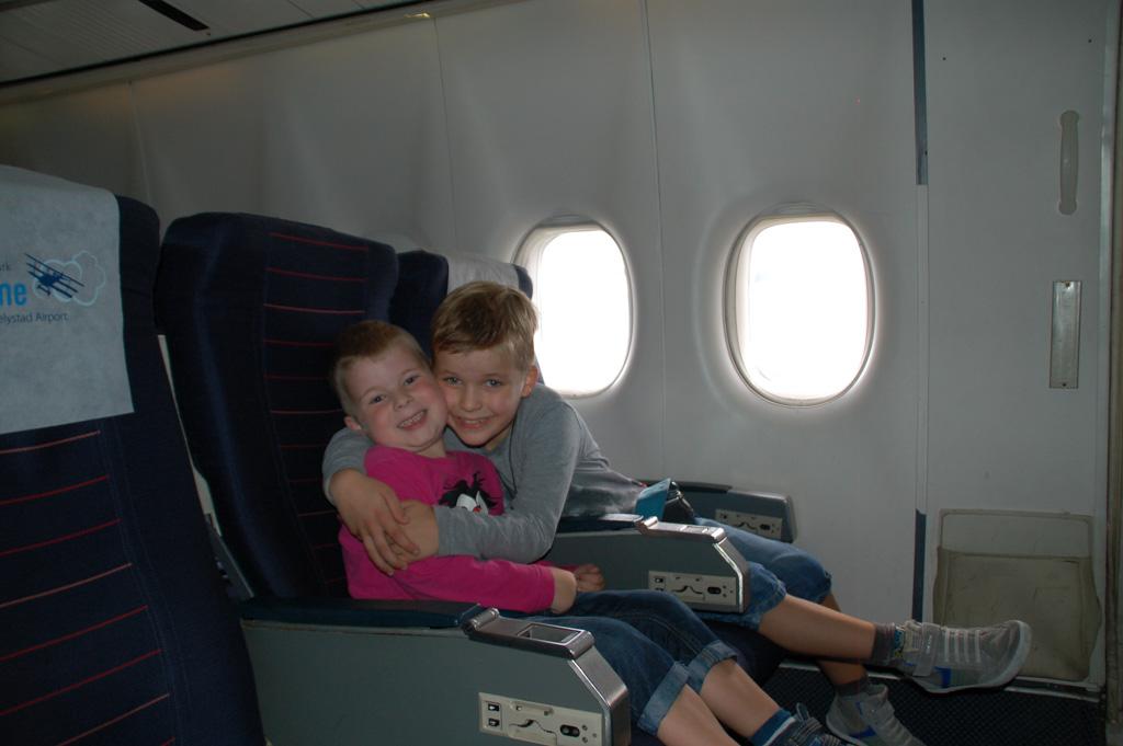 Gebroederlijk in de Boeing 747.