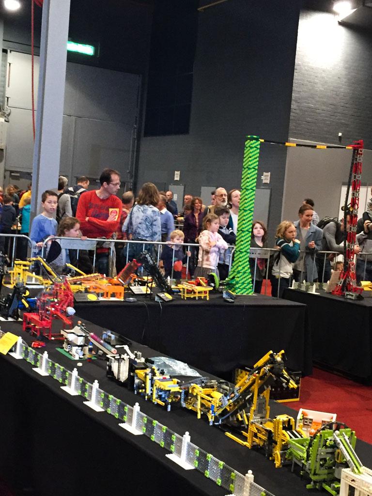 LEGO Technic knikkerbaan.