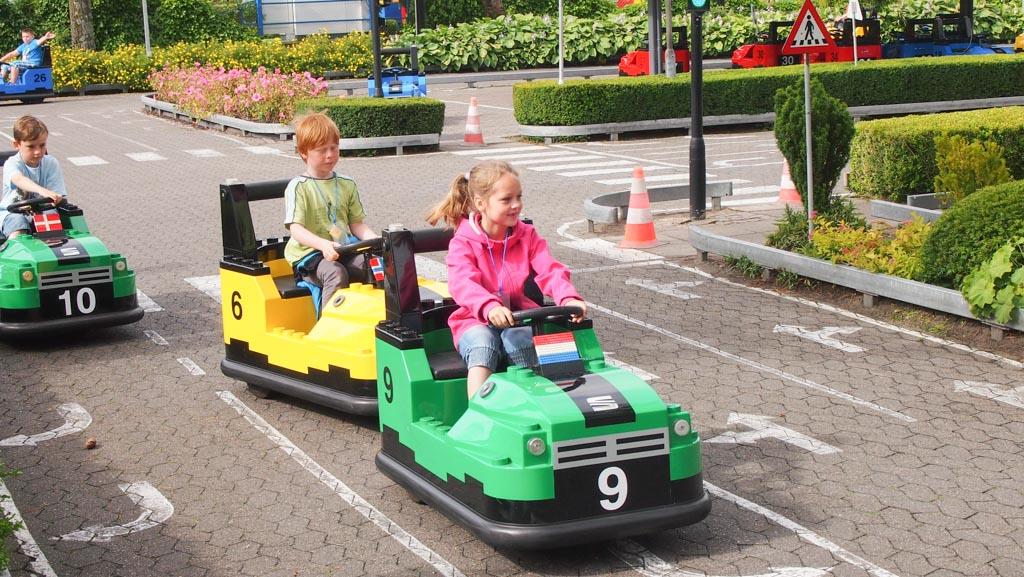 Een echte verkeerssituatie met echte verkeersregels.