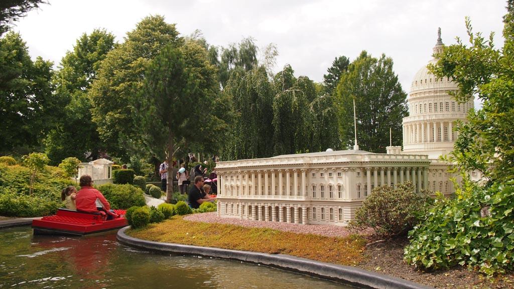 Vaarden ook nog met een bootje langs de bekendste gebouwen uit de wereld.