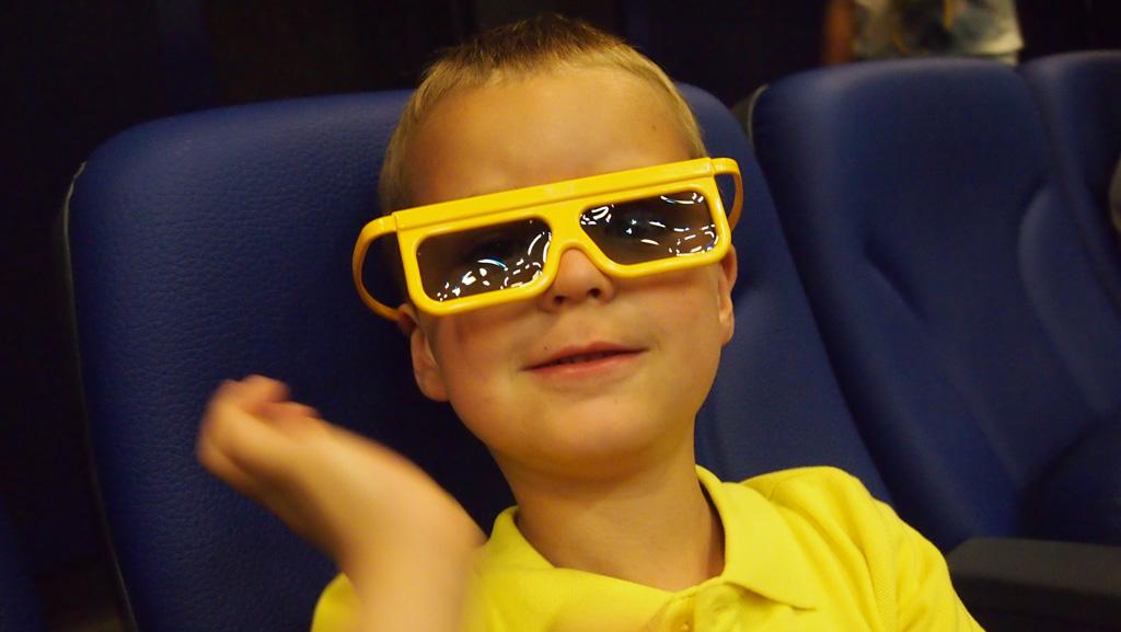 Camiel wilde heel graag de 4D film zien van LEGO Chima. Dus ging hij samen met Gerard daarheen.