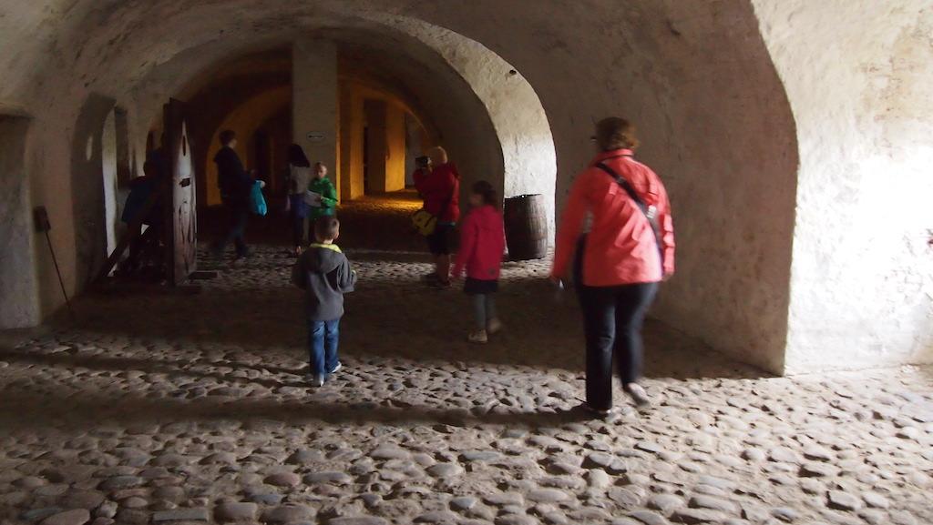 Ondergrondse wandeling door de kazematten.
