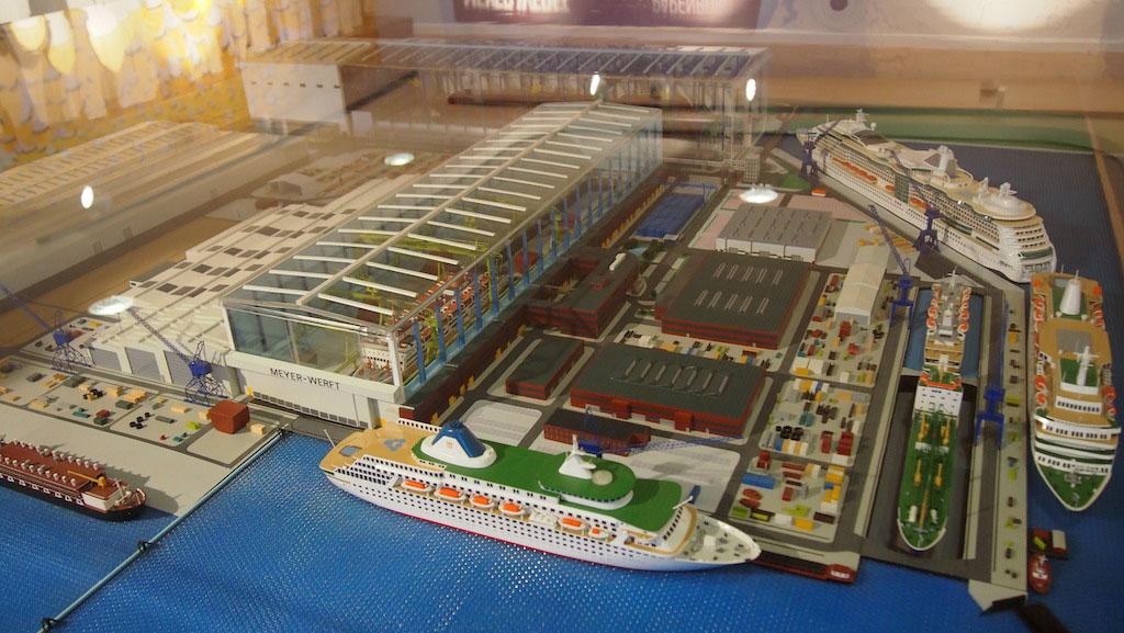 Schaaschaalmodel van de Meyer Werft.