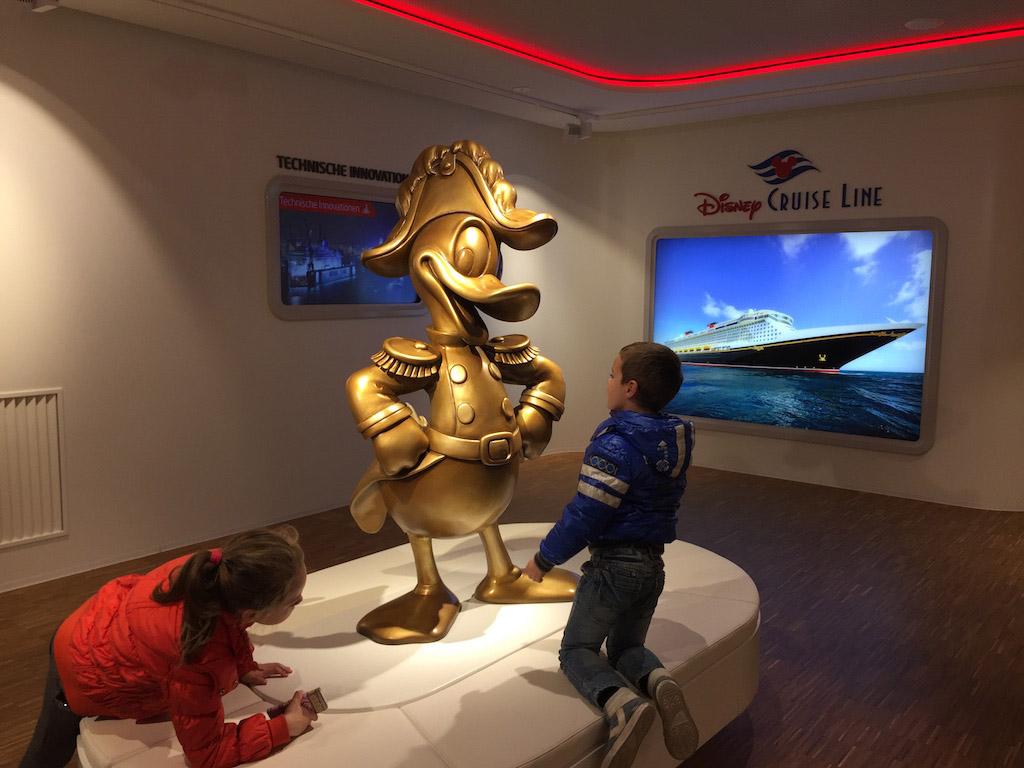 Er worden o.a. schepen gebouwd voor Disney Cruise Line.