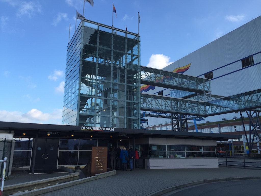 Het bezoekerscentrum van de Meyer Werft.