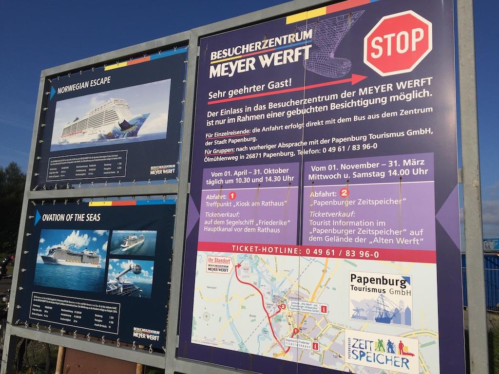 Rij niet gewoon naar de Meyer Werft, je rondleiding start bij het toeristenbureau in Papenburg.