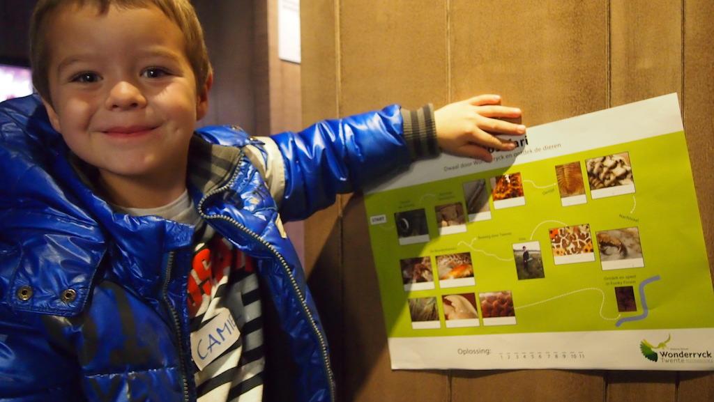 Camiel is helemaal blij met zijn fotosafari.