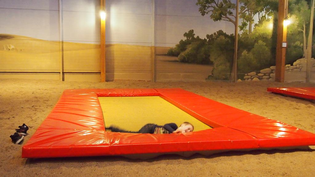 De trampolines veren goed mee, dus de meest bijzondere capriolen worden uitgehaald.