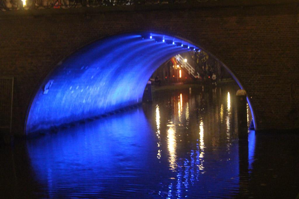 De stad is mooi verlicht