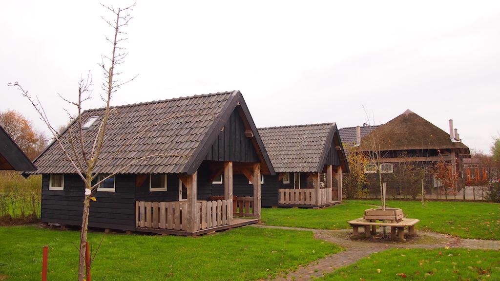 Leuke houten hutjes.