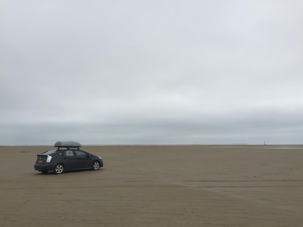 Hoe gaaf is dat? Met je eigen auto over het strand crossen.
