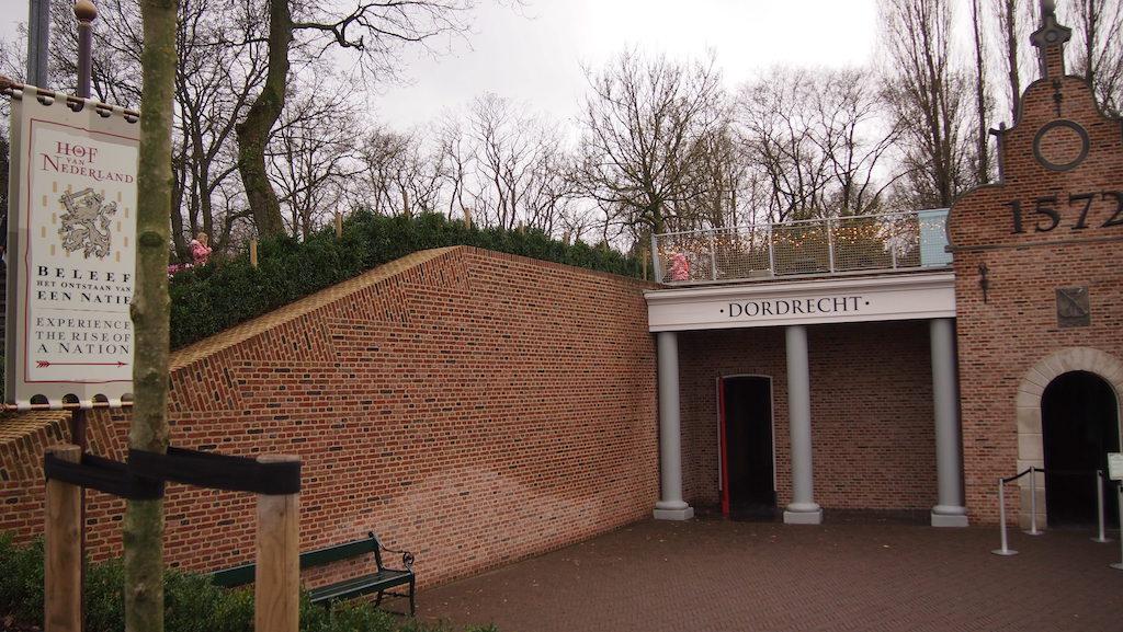 Terug naar Dordrecht van vroeger en beleef de Nederlandse geschiedenis.