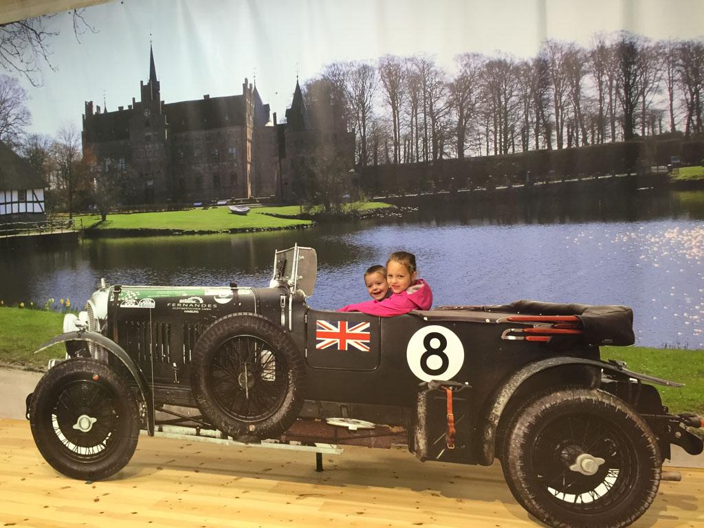 Het automuseum is groot en heeft een hele uitgebreide collectie.