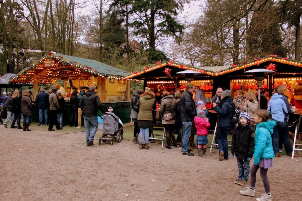 Op 6 december kun je meteen na pakjesavond in de kerststemming komen op de kleine knusse kerstmarkt in Kleve.