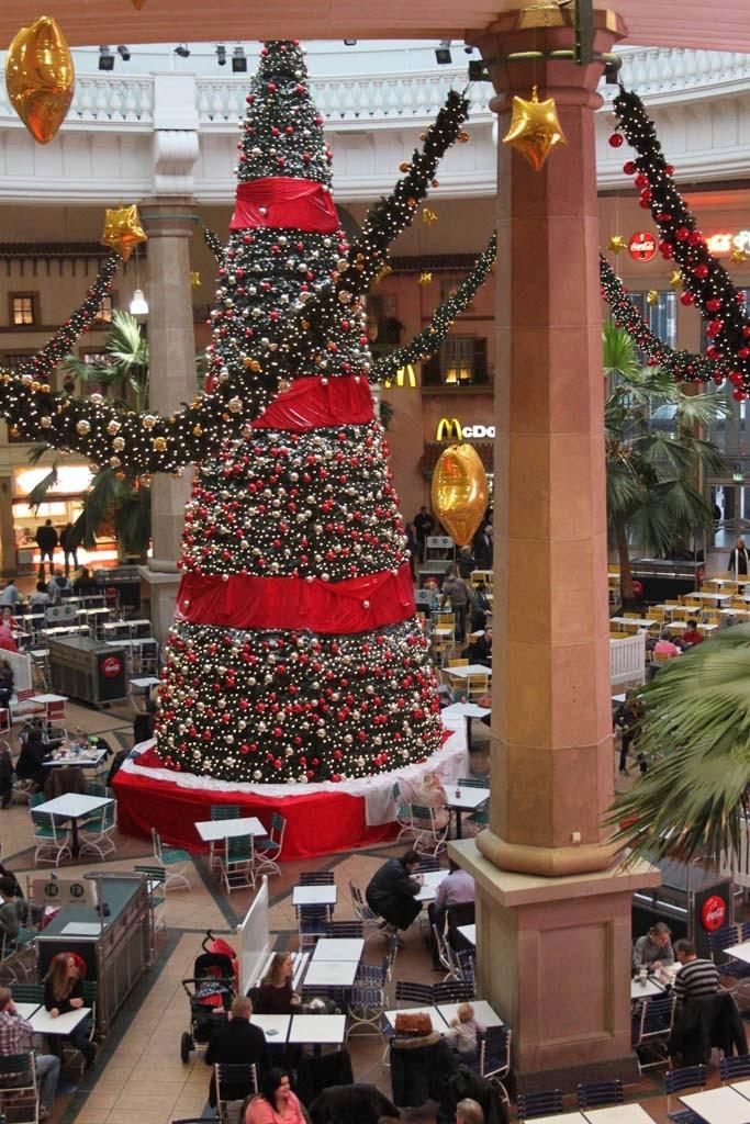 Zo'n grote kerstboom hebben mijn kinderen nog nooit gezien!