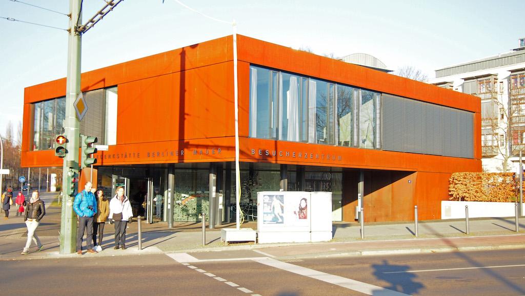 Bezoekerscentrum van de Gedenkstatte Bernauer Strasse.