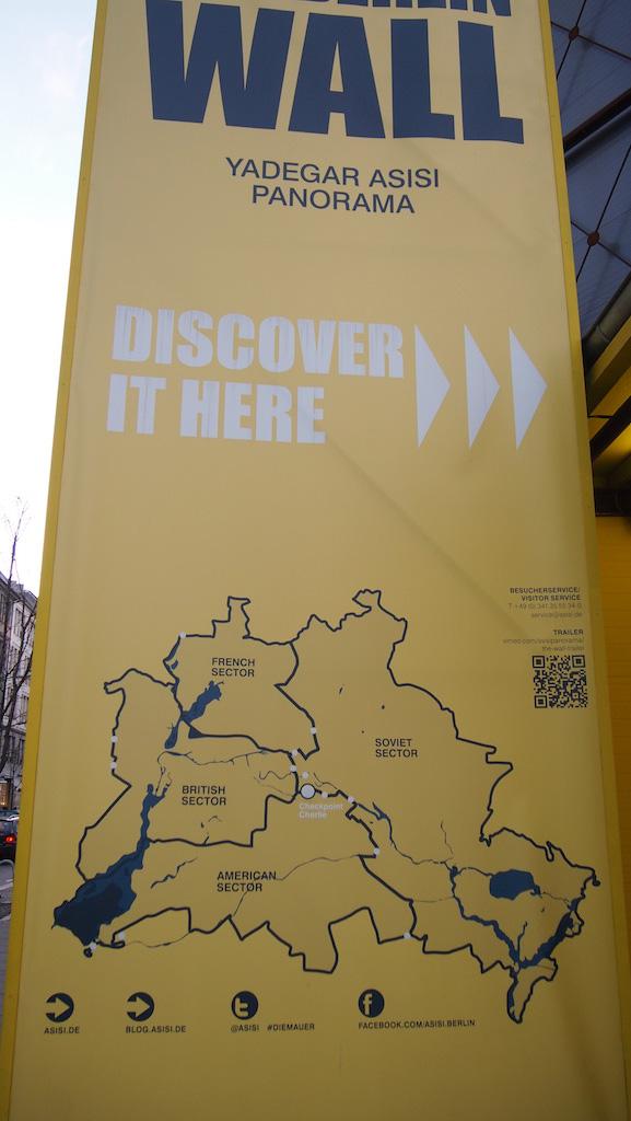 Bij The Wall hangt een kaart met daarop de situering van de Muur.