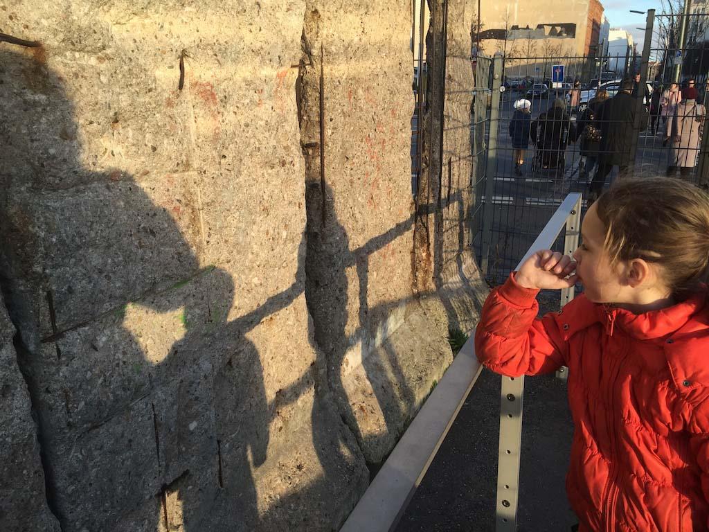 In gedachten bij de Berlijnse Muur.