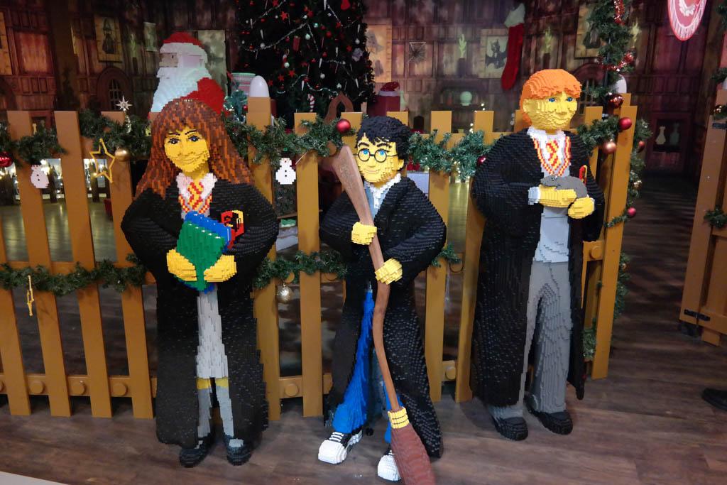De Harry Potter figuren.