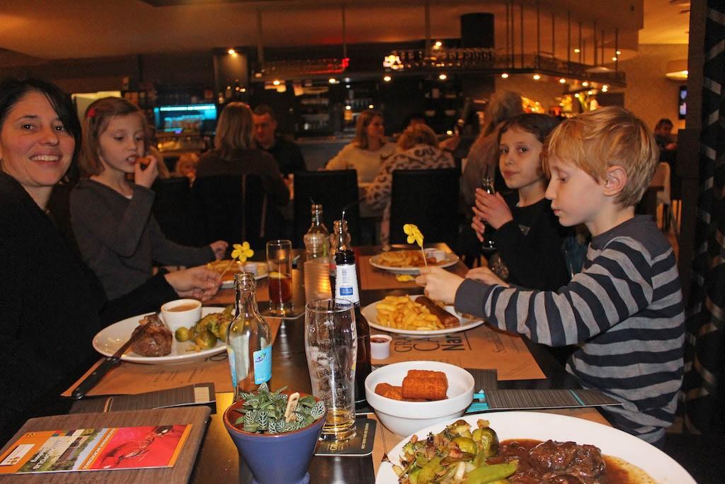 Geen zin om te koken? Bij Grand Café Narvik kun je heerlijk eten. Ook om af te halen.