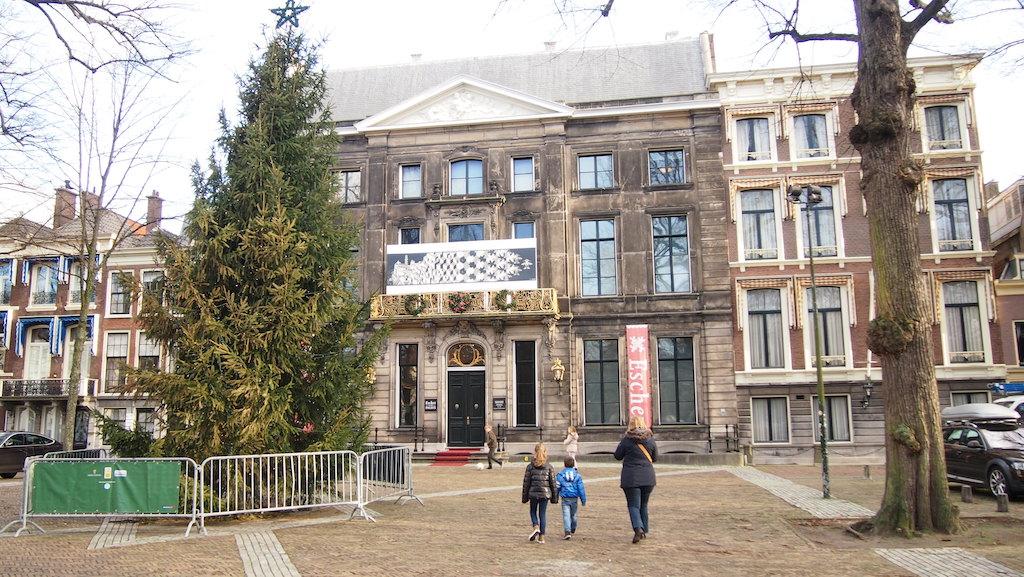 Paleis Lange Voorhout met het Escher museum