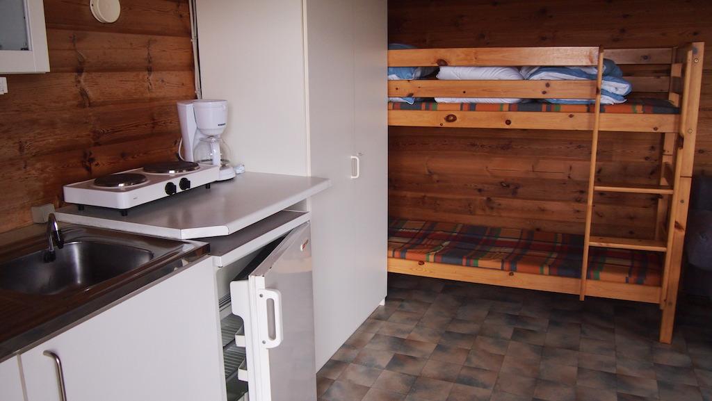 In de hut hebben we een keuken.