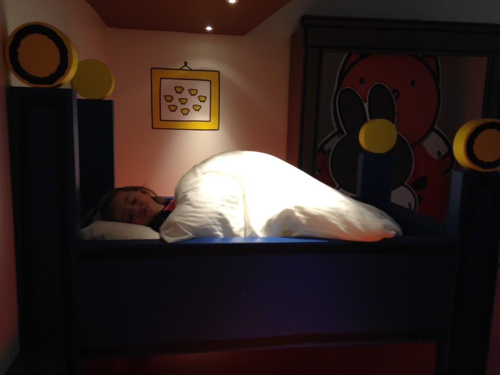 Slapen in het bed van Nijntje.