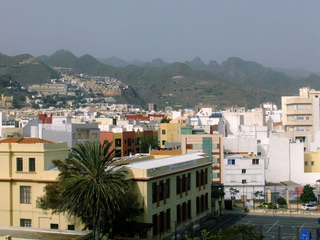Gran Canaria heeft ook meer stedelijke gebieden.