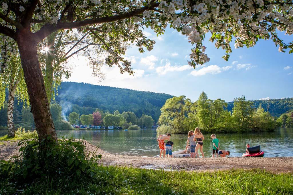 Genieten aan het water bij Camping- und Ferienpark Teichmann, Halbinsel(Copyright: Camping- und Ferienpark Teichmann).
