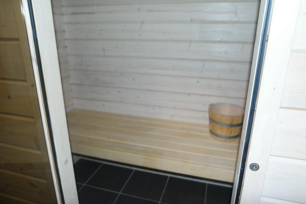 Relaxen in de sauna.