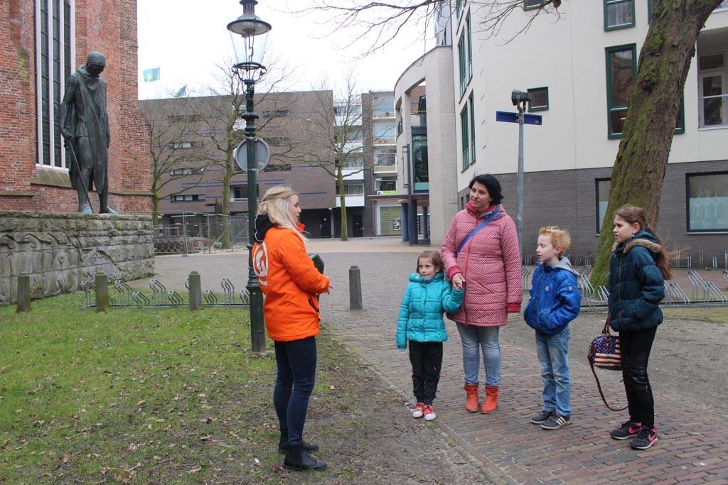 Interessante weetjes over de toren verteld door onze gids Eva.