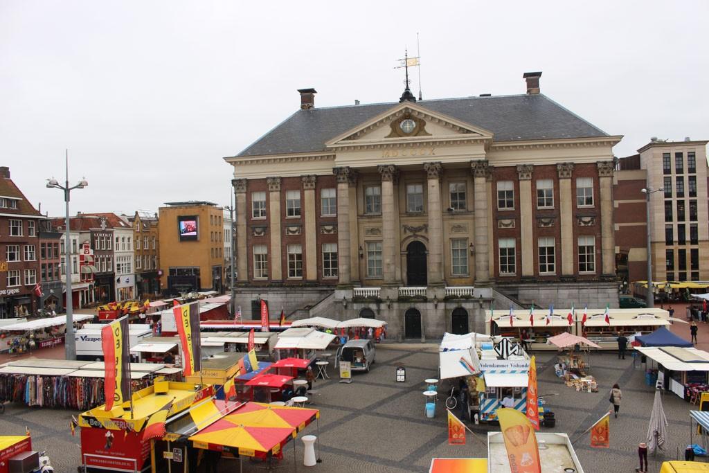 De markt in Groningen, leuk om even langs te lopen.