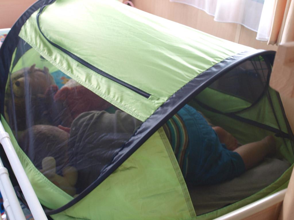 Camiel in de baby-versie van de Deryan.