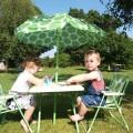 Heel handig met peuters en kleuters: een picknickset voor kinderen.