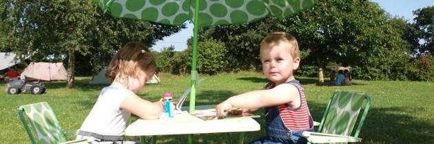 Kamperen met kinderen: wat heb je nodig voor slapen, zitten en wassen?