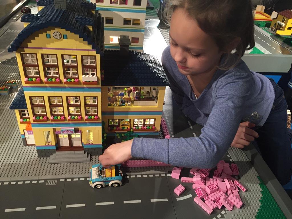 Zelf bouwen bij LEGO City en LEGO Friends.