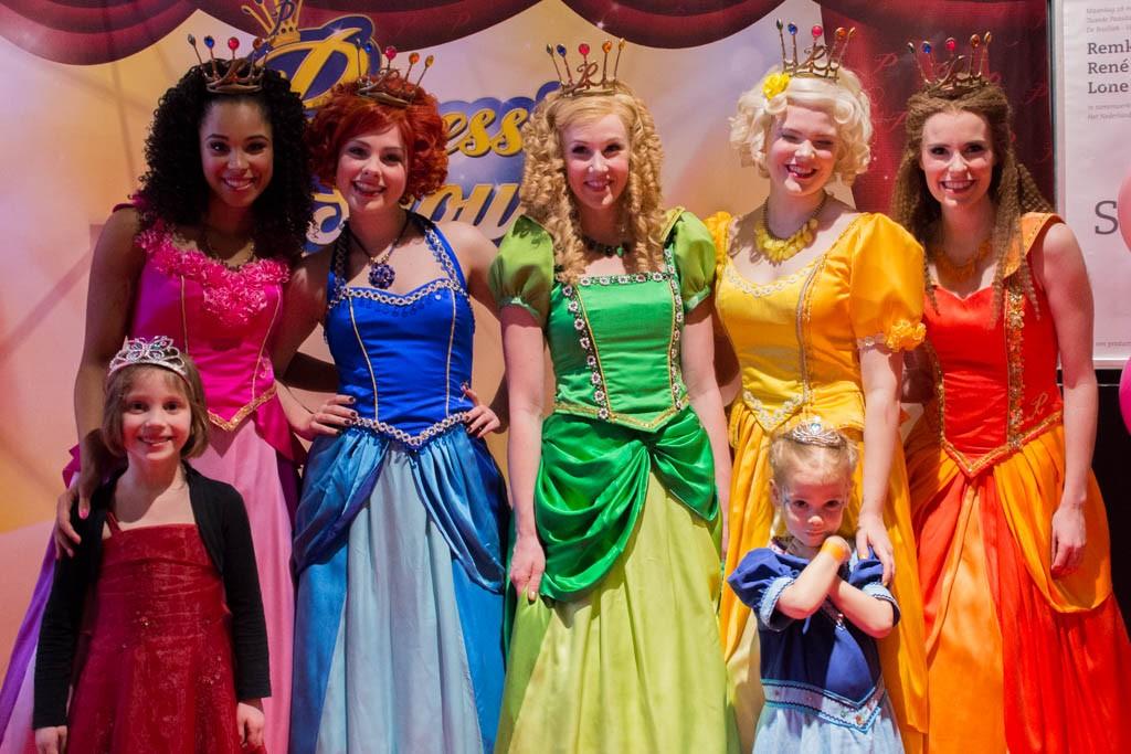 Het geduldig wachten wordt beloond, met de prinsessen op de foto!