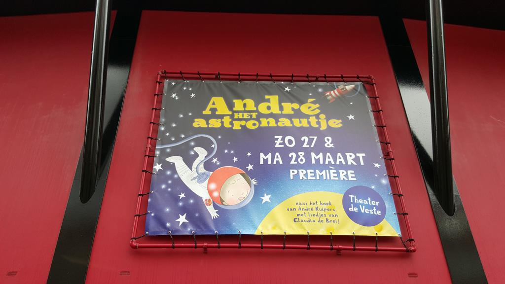Andre het astronautje: nu in het theater!