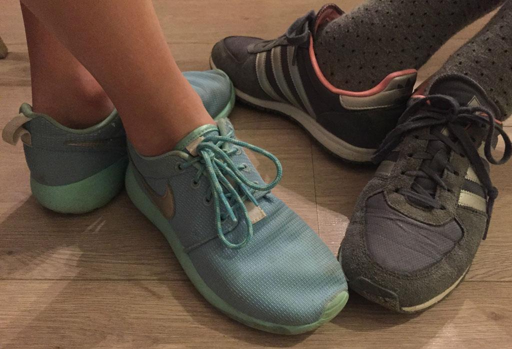 Gepast schoeisel voor Fabulous Sneakerboyz.